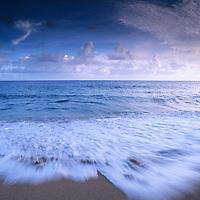 Hawaii, Kauai, Lumahai Beach at sunrise