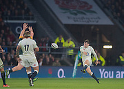 Twickenham, United Kingdom.  Elliot DALY, kicking clear, during the Old Mutual Wealth Series match.: England vs South Africa, at the RFU Stadium, Twickenham, England, Saturday, 12.11.2016<br /> <br /> [Mandatory Credit; Peter Spurrier/Intersport-images]