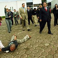 Almoloya de Juárez, Mex.- Humberto Benítez Treviño, secretario general de gobierno y Germán García Moreno Ávila, comisionado de la Agencia de Seguridad Estatal (ASE), visitaron el plantel de formación policial del Valle de Toluca, donde presenciaron las diferentes actividades que realizan los cadetes. Agencia MVT / José Hernández. (DIGITAL)<br /> <br /> NO ARCHIVAR - NO ARCHIVE
