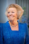 Prinses Beatrix reikt Zilveren Anjers uit op het Koninklijk Paleis in Amsterdam.<br /> <br /> Princess Beatrix at the award ceremony of theZilveren Anjers  in the the Royal Palace in Amsterdam.<br /> <br /> Op de foto / On the photo:  Prinses Beatrix