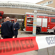 NLD/Huizen/20070417 - Gemeentehuis Huizen ontruimd door te hoge concentratie koolmonoxide na dakwerkzaamheden