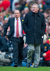 21.03.2010, Old Trafford, Manchester, ENG, PL, Manchester United vs Liverpool FC im Bild Liverpool's manager Rafael Benitez and Manchester United's manager Alex Ferguson, EXPA Pictures © 2010, PhotoCredit: EXPA/ Propaganda/ D. Rawcliffe / SPORTIDA PHOTO AGENCY
