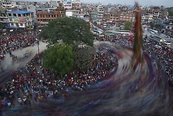 May 5, 2017 - Lalitpur, Nepal - Nepalese revelers circle the chariot of the ''God of Rain'' Rato Machhindranath during the chariot festival in Lalitpur, Nepal. (Credit Image: © Skanda Gautam via ZUMA Wire)