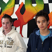 NLD/Huizen/20081002 - 2 jongens honkballers van HCAW Brennan Nijhof en Peter van Doesburg gehuldigd op hun school