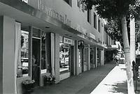 1977 Stores on Larchmont Blvd.