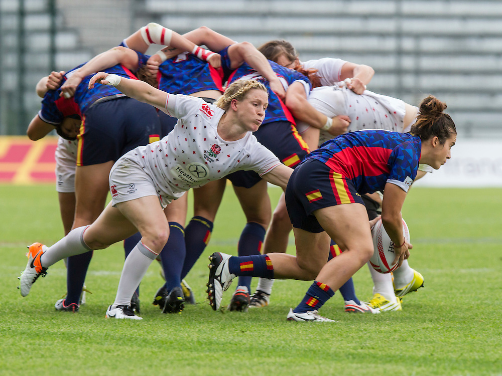 Danielle Waterman attacks scrum half patricia Garcia for the ball, World Rugby Women's HSBC Sevens Series, Clermont Ferrand, Day 1, at Stade Gabriel Montpied, Clermont Ferrand, France, on 28th May 2016