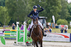 LUHMÜHLEN - Longines CCI5*-L/CCI4*-S Meßmer Trophy<br /> Deutsche Meisterschaften 2021<br /> <br /> SUMMERLAND Mollie (GBR), Charly van ter Heiden<br /> Teilprüfung Springen<br /> LONGINES CCI5*-L<br /> Show Jumping<br /> <br /> Luhmühlen, Turniergelände<br /> 20. June 2021<br /> © www.sportfotos-lafrentz.de/Stefan Lafrentz