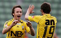 FOTBALL 12. mai 2006, Addecoserien 1. divisjon herre, Manglerud Star v Bod¯/Glimt, Stig Johansen og Tani etter Stig scoret, Foto Kurt Pedersen / DIGITALSPORT