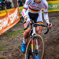 26-12-2019: Cycling: CX Worldcup: Heusden-Zolder: Marcel Meisen climbing in the woods