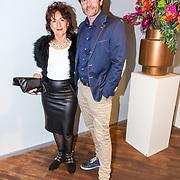 NLD/Amsterdam/20181028 - Premiere Expeditie Eiland, Sander Janson met zijn moeder