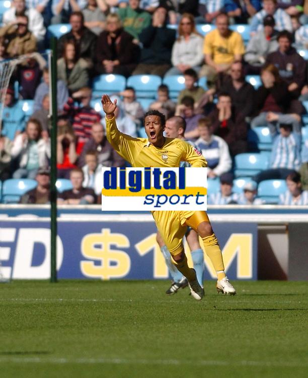 Photo: Leigh Quinnell.<br /> Coventry City v Preston North End. Coca Cola Championship. 01/04/2006. Prestons Simon Whaley celebrates his goal.