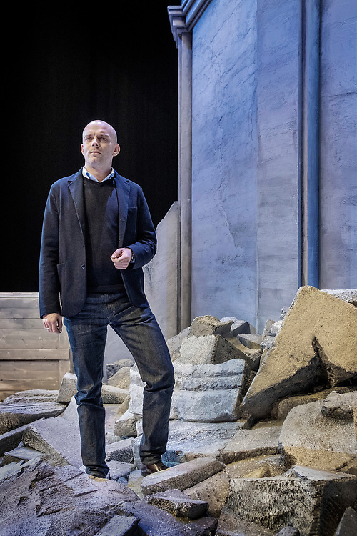 Nederland. Amsterdam, 24-01-2019. Photo: Patrick Post. Portret van Floris Visser, opera regisseur.