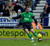 Photo: Jed Wee.<br />Wigan Athletic v Liverpool. The Barclays Premiership. 11/02/2006.<br />Liverpool's Jerzy Dudek.