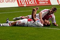 Fotball<br /> Nederland<br /> Foto: ProShots/Digitalsport<br /> NORWAY ONLY<br /> <br /> Brøndby IF - Ajax , 10-08-2005 , UEFA Champions League Qualification , Wesley Sneijder en Markus Rosenberg vieren de 3-1