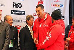 24.04.2015, Madison Square Garden, New York, USA, WBA, Wladimir Klitschko vs Bryant Jennings, Wiegen, im Bild Wladimir Klitschko kommt zum wiegen // during weighing for IBF, WBO and WBA world heavyweight title boxing fight between Wladimir Klitschko of Ukraine and Bryant Jennings of the USA at the Madison Square Garden in New York, United Staates on 2015/04/24. EXPA Pictures © 2015, PhotoCredit: EXPA/ Eibner-Pressefoto/ Kolbert<br /> <br /> *****ATTENTION - OUT of GER*****