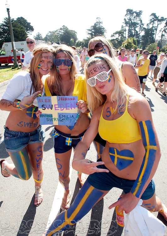 The 98th Bay to Breakers 12K footrace through San Francisco was a matter of national pride for Emilia Podsadniak, from left, Antonia Bergvall, Johanna Pettersson and Alexandra Claesson, who are all either from Sweden or of Swedish descent. They posed for a photograph in Golden Gate Park, Sunday, May 17, 2009. (Photo by D. Ross Cameron)