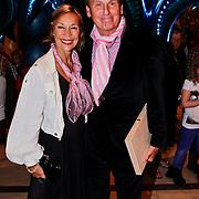 NLD/Noordwijk/20100502 - Gerard Joling 50ste verjaardag, Henny Huisman en partner Lia van Guijk