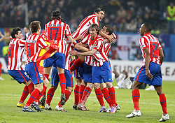 12.05.2010, Hamburg Arena, Hamburg, GER, UEFA Europa League Finale, Atletico Madrid vs Fulham FC im Bild.Atletico de Madrid's players celebrate . EXPA Pictures © 2010, PhotoCredit: EXPA/ nph/  Alvaro Hernandez / SPORTIDA PHOTO AGENCY