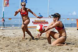 20150828 NED: NK Beachvolleybal 2015, Scheveningen<br />Kwalificaties NK Beachvolleybal 2015, Marloes Wesselink, Laura Bloem