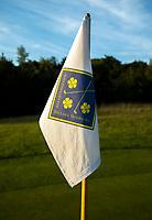 DEN DOLDER -  holevlag met logo Golfsocieteit De Lage Vuursche. COPYRIGHT KOEN SUYK