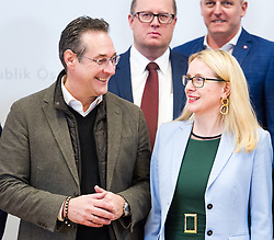 10.01.2019, Hotel Schlosspark, Mauerbach, AUT, Bundesregierung, Familienfoto anlässlich der Regierungsklausur 2019, im Bild Vizekanzler Heinz-Christian Strache (FPÖ) und Bundesministerin für Wissenschaft, Forschung und Wirtschaft Margarete Schramböck (ÖVP) // Austrian Vice Chancellor Heinz-Christian Strache and Austrian Minister for Science, Research and Economy Margarete Schramboeck during convention of the Austrian government at Mauerbach in Lower Austria, Austria on 2019/01/10 EXPA Pictures © 2019, PhotoCredit: EXPA/ Michael Gruber