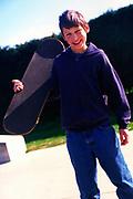 AF5CNE Children playing at a skate park