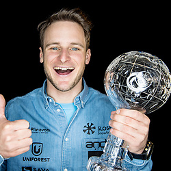 20190315: SLO, Snowboard - Photoshoot of Tim Mastnak with medal and Crystal Globe