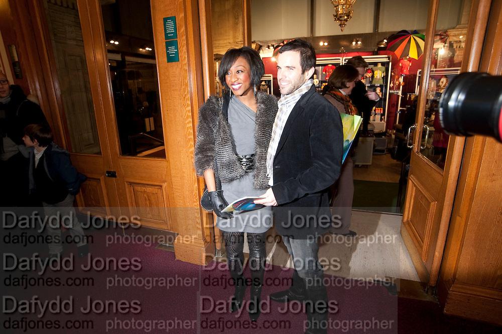 BEVERLEY KNIGHT; JAMES O'KEEFE, CIRQUE DU SOLEIL LONDON PREMIERE OF VAREKAI. Royal albert Hall. 5 January 2009