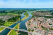 Nederland, Overijssel, Deventer, 17-07-2017; overzicht binnenstad Deventer met o.a. Lebuinuskerk, IJsselkade, Welle.  Brug over de IJssel, De Worp aan de overzijde van de rivier.<br /> Overview downtown Deventer, Deventer city centre.<br /> <br /> luchtfoto (toeslag op standard tarieven);<br /> aerial photo (additional fee required);<br /> copyright foto/photo Siebe Swart