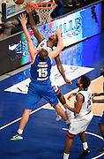 DESCRIZIONE : Bologna LNP A2 2015-16 Eternedile Bologna De Longhi Treviso<br /> GIOCATORE : Edward Lee Daniel<br /> CATEGORIA : Tiro Penetrazione<br /> SQUADRA : Eternedile Bologna<br /> EVENTO : Campionato LNP A2 2015-2016<br /> GARA : Eternedile Bologna De Longhi Treviso<br /> DATA : 15/11/2015<br /> SPORT : Pallacanestro <br /> AUTORE : Agenzia Ciamillo-Castoria/A.Giberti<br /> Galleria : LNP A2 2015-2016<br /> Fotonotizia : Bologna LNP A2 2015-16 Eternedile Bologna De Longhi Treviso
