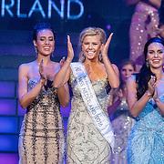 NLD/Hilversum/20160926 - Finale Miss Nederland 2016, winnares Zoey Ivory met First Runner Up Denise Zwier