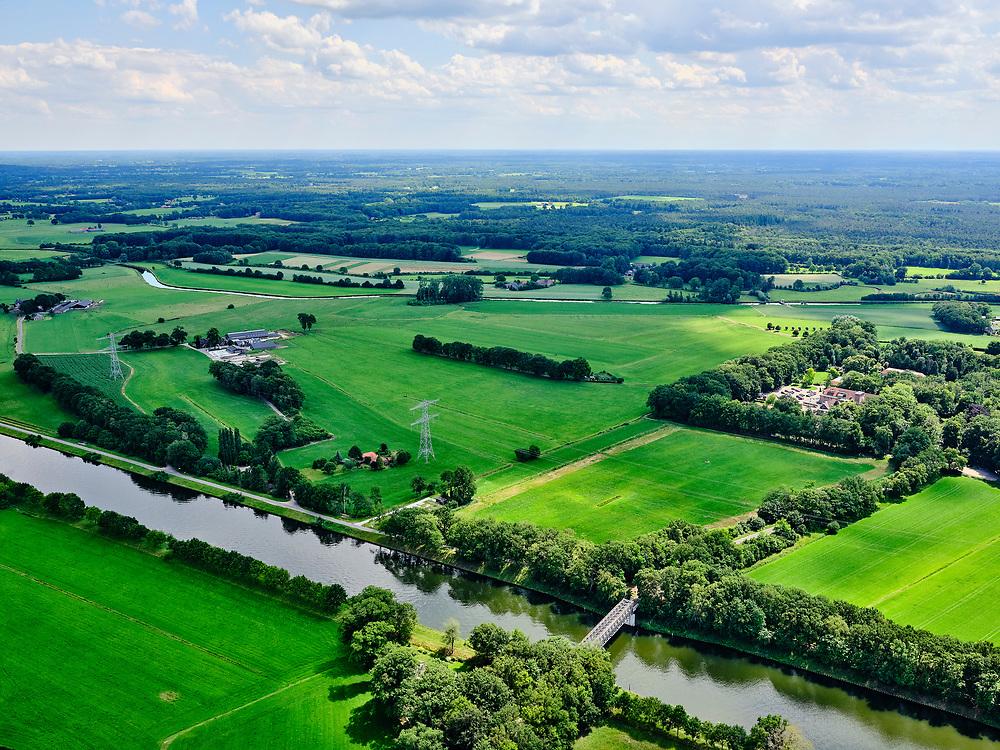 Nederland, Gelderland, Gemeente Lochem, 21–06-2020;  overzicht Twentekanaal tussen Zutphen (Eefde) en Lochem. Ehzerbrug en riviertje de Berkel in het verschiet. <br /> Overview Twente Canal between Zutphen) Eefde and Lochem.<br /> <br /> luchtfoto (toeslag op standaard tarieven);<br /> aerial photo (additional fee required)<br /> copyright © 2020 foto/photo Siebe Swart