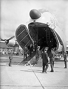 17/08/1960<br /> 08/17/1960<br /> 17 August 1960<br /> Airlift of the 33rd Battalion to the Congo. Picture shows Taoiseach Sean Lemass inspecting one of the U.S. Airforce Douglas C-124 Globemaster II transport aircraft due to take the 33rd Battalion to the Congo as part of the UN peacekeeping force.