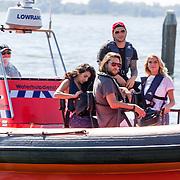 NLD/Muiden/20160825 - Perspresentatie deelnemers Expeditie Robinson 2016,  Elle van Rijn, Kraantje Pappie, Jessie Jazz Vuijk