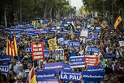 August 26, 2017 - Roughly half a million gather in Barcelona to participate in a march commemorating the victims of last week's jihadist terror attacks in in Barcelona and Cambrils (Credit Image: © Matthias Oesterle via ZUMA Wire)