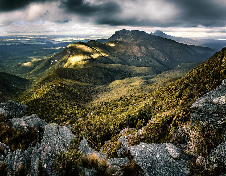 Descending the Bluff Knoll at Stirling Range, Western Australia
