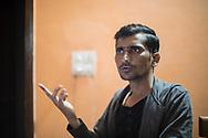 03032019. New Delhi. Inde. Portrait de Shafiqur Rahman Khan. Ce trentenaire intransigeant au regard noir s'est engagé corps et âme dans la défense des « paros ». Son parcours personnel iconoclaste l'a mené de l'entrepreneuriat aux rangs d'un groupe marxiste révolutionnaire. Il combat aujourd'hui les trafics à la force de quelques bras au sein d'Empower People, une petite association qu'il a créée.