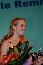 08-10-2006 VOLLEYBAL: GALA 2006: DOETINCHEM<br /> In de schouwburg van Doetinchem werd het volleybalgala 2006 gehouden / Danielle Remmers, beste beachtalent siezoen 2005-2006<br /> ©2006-WWW.FOTOHOOGENDOORN.NL