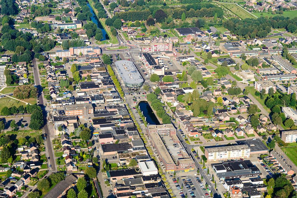 """Nederland, Drenthe, Klazienaveen, 08-09-2016; centrum van het kanaaldorp gelegen aan de Verlengde Hoogeveense Vaart. Het kanaal is in het centrum gedeeltelikk gedempt en op de lokatie ligt een het winkel-appartementencomplex ('t Schip"""" of de Brug).<br /> Small village, former 'peat colony', East Holland<br /> luchtfoto (toeslag op standard tarieven);<br /> aerial photo (additional fee required);<br /> copyright foto/photo Siebe Swart"""