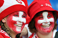 GEPA-1106086011 - BASEL,SCHWEIZ,11.JUN.08 - FUSSBALL - UEFA Europameisterschaft, EURO 2008, Schweiz vs Tuerkei, SUI vs TUR, Vorberichte. Bild zeigt Fans der Schweiz.<br />Foto: GEPA pictures/ Philipp Schalber
