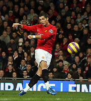 Photo: Paul Thomas/Sportsbeat Images.<br /> Manchester United v Fulham. The FA Barclays Premiership. 03/12/2007.<br /> <br /> Cristiano Ronaldo of Man Utd scores.