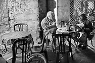 lunch in the historic center of Genova. Pausa pranzo nel centro storico di Genova