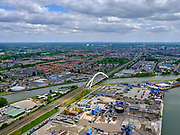 Nederland, Utrecht, Utrecht, 14-05-2020; Spoorbruggen over Amsterdam-Rijnkanaal, nabij bedrijventerrein Lageweide. Demka-spoorbrug en Werkspoorbrug - de witte boog, ook welTweede Demka-spoorbrug.<br /> Railway bridges over the Amsterdam-Rhine Canal, near the Lageweide industrial estate. Demka Railway Bridge and Werkspoor Bridge - the white arch, also called Second Demka Railway Bridge.<br /> aerial photo (additional fee required);<br /> copyright foto/photo Siebe Swart.