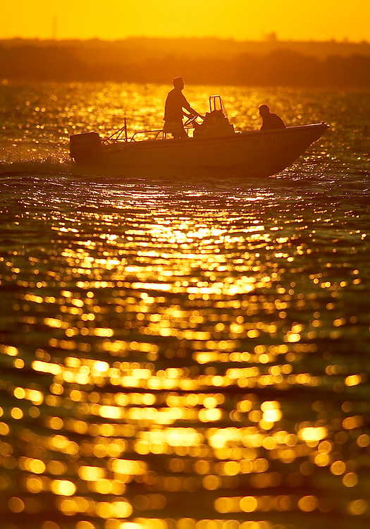 (DAYIN) Lavallette 7/72004   Sunset on Barnegat Bay.    Michael J. Treola Staff Photographer....MJT
