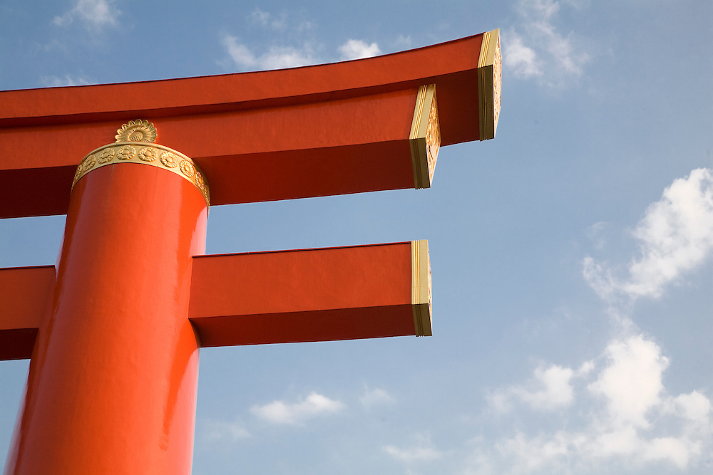 Asia, Japan, Honshu island, Kyoto, torii  gate at entrance to Heian Jingu shrine.   Largest torii in Japan. Built in 1929, it is 24.2 meters high; the top rail is 33.9 meters long.
