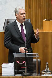 12.10.2016, Parlament, Wien, AUT, Parlament, Nationalratssitzung, Sitzung des Nationalrates mit Budgetrede des Finanzministers, im Bild Bundesminister für Finanzen Hans Jörg Schelling (ÖVP) // Austrian Minister of Finance Hans Joerg Schelling during meeting of the National Council of austria according to government budget 2017 at austrian parliament in Vienna, Austria on 2016/10/12, EXPA Pictures © 2016, PhotoCredit: EXPA/ Michael Gruber