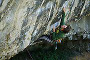 Ben Heason on Chimes of Freedom, 8a, Raven Tor