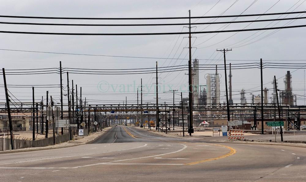 23 Sept 2005. Port Arthur, Texas.  Hurricane Rita evacuation. <br /> The deserted streets around the Valero Port Arthur refinery the day before the storm hits.<br /> Photo; ©Charlie Varley/varleypix.com