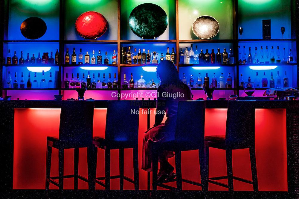 Myanmar, Yangon, centre ville, bar club du Mani restaurant, adresse branchée  // Myanmar, Yangon, club bar of  downtown,Mani restaurant, trandy adresse