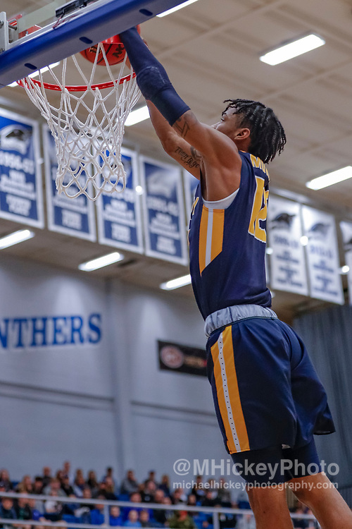 CHARLESTON, IL - JANUARY 17: Ja Morant #12 of the Murray State Racers dunks the ball during the game against the Eastern Illinois Panthers at Lantz Arena on January 17, 2019 in Charleston, Illinois. (Photo by Michael Hickey/Getty Images) *** Local Caption *** Ja Morant